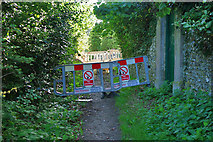 TQ2115 : Southern Gas Networks block the footpath by Robin Webster