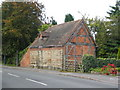 SP3475 : Old building on Coventry Road by E Gammie