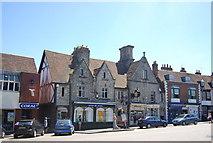 TQ6857 : Huntsman, High St by N Chadwick