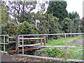 TQ6483 : Footpath to Kings Farm by Geographer