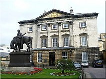 NT2574 : Royal Bank of Scotland, St. Andrew Square by kim traynor