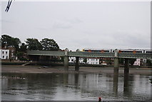 TQ1977 : Kew Railway Bridge by N Chadwick