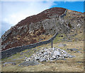J3228 : The Mourne Wall at the Hare's Gap by Rossographer