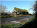 SO7220 : Ivy-clad barn by Jonathan Billinger