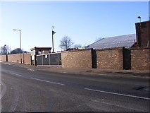 SO9596 : Vulcan Road Wall by Gordon Griffiths
