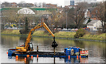 J3472 : Dredging the River Lagan, Belfast  -  2010/11 (90) by Albert Bridge