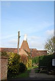 TQ4735 : The Oast House, High St, Hartfield by N Chadwick