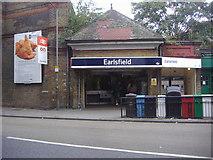 TQ2673 : Earlsfield station entrance by David Howard