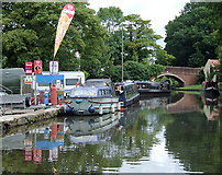 SO9262 : Boatyard services at Hanbury Wharf, Worcestershire by Roger  Kidd