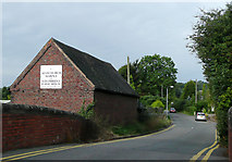 SP0272 : Scarfield Hill at Alvechurch, Worcestershire by Roger  Kidd