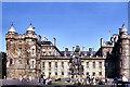 NT2673 : Holyrood Palace by David Dixon