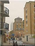 TQ3680 : Narrow Street, E14 by Derek Harper