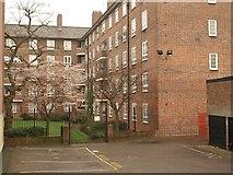 TQ3480 : Reardon House by Derek Harper
