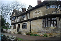 TQ5243 : House, Leicester Square, Penshurst by N Chadwick