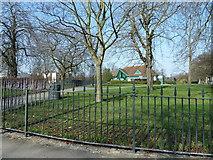 SU4212 : Southampton's splendid parks (79) by Basher Eyre