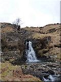 NN2218 : Waterfall on the Allt a' Mhuilinn by Richard Law