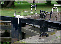 SO8453 : Gate (detail) at Diglis Bottom Lock, Worcester by Roger  Kidd