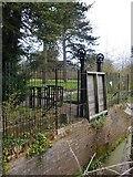 TQ1776 : Kew Gardens: draw-bridge and turn-stiles by Stefan Czapski