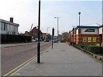 TQ3266 : Croydon:  Windmill Road by Dr Neil Clifton