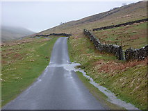 SD6683 : Road, north of Fell House, Barbondale by Alexander P Kapp