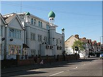 TQ2572 : Southfields Mosque by Stephen Craven