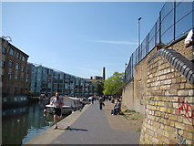TQ3283 : View of a former factory (now houses) from the Regent's Canal towpath by Robert Lamb