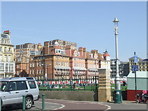 TQ2804 : Cycle path on Hove sea front by Malc McDonald