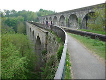 SJ2837 : Chirk aqueduct and railway viaduct by Jeremy Bolwell