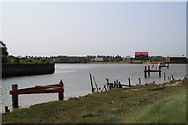 TG5107 : Confluence of the Rivers Bure and Yare, Great Yarmouth by Glen Denny