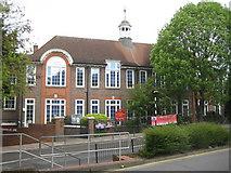 TQ1885 : Wembley: Park Lane Primary School by Nigel Cox