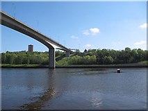 NZ2463 : Bridge across the tyne by Bill Nicholls