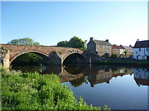 NT5173 : East Lothian Townscape : Early Morning By The Tyne by Richard West