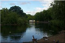 TQ3187 : Finsbury Park boating lake by Jim Osley
