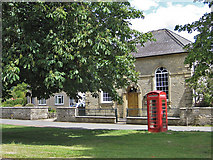 SE7485 : K6 phonebox, Sinnington by Pauline E