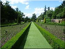 SU9185 : In the Long Garden at Cliveden by Marathon