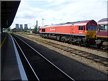 SU5290 : Class 66 diesel at Didcot Parkway and Didcot Power Station by Marathon