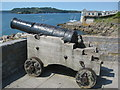 SX4853 : Restored Naval Cannon by Philip Halling