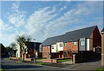 SO9096 : New housing in Penn, Wolverhampton by Roger  Kidd