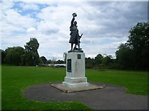 TQ1672 : Twickenham War Memorial by Marathon