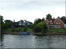 TQ1667 : Houses on the river, Thames Ditton by Malc McDonald