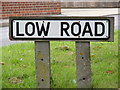 TM4160 : Low Road sign by Adrian Cable