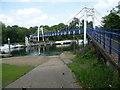 TQ1671 : Bridge across the Thames leading to Teddington Lock by Marathon