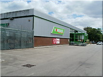 ST2995 : Homebase, Cwmbran by Jaggery