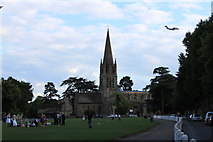 SP3509 : Witney church green and RAF C-17 by Roger Davies