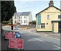 ST3090 : Temporary traffic lights, Pillmawr Road, Newport by Jaggery