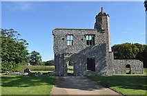 TG1238 : Baconsthorpe Castle by Ashley Dace