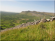G7241 : Sligo: Copes Mountain. Boundary Wall and Fence by Michael Murtagh