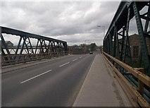 SE2220 : Ravensthorpe Road Bridge by Chris Pattinson