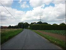 TF2434 : Rushy Drove near Pond Farm by Ian S