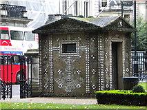 TQ2879 : Hut, Grosvenor Gardens SW1 by Robin Sones